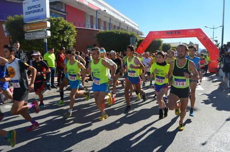 Más de 250 corredores participaron en la XI San Silvestre Albojense
