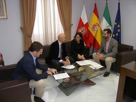 Ayuntamiento, Autoridad Portuaria y Fundación Bahía Almeriport constituyen la Comisión de Seguimiento del proyecto Puerto-Ciudad