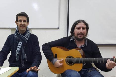 Hugo del Pino y Perico el Pañero ponen el broche de oro a las clases de flamenco de la Universidad de Mayores