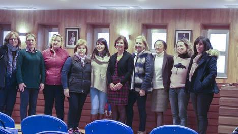Diputación acerca la pintura a 15 mujeres del municipio de Purchena