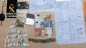 Detenido con 23 bolsas de cocaína listas para su venta en Adra