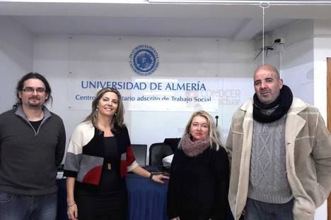 Estudiantes de Trabajo Social participan en un estudio de personas sin hogar en Almería