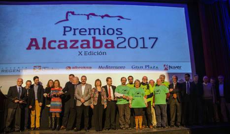 Asociación Amigos de la Alcazaba llena el Teatro Cervantes de amor al patrimonio en el décimo aniversario de sus Premios