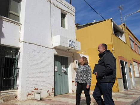 IU Roquetas propone rehabilitar la antigua escuela de Las Lomas como sala de estudios y de reuniones para vecinos