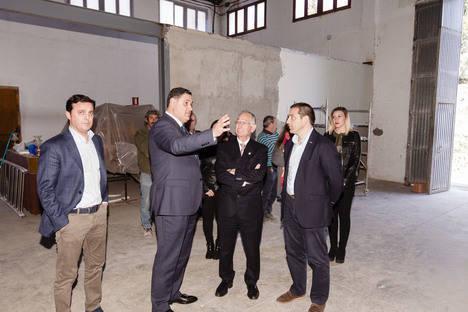 El PFEA mejora con 255.000 € varias calles, el cuartel y ultima el vivero de empresas de Canjáyar