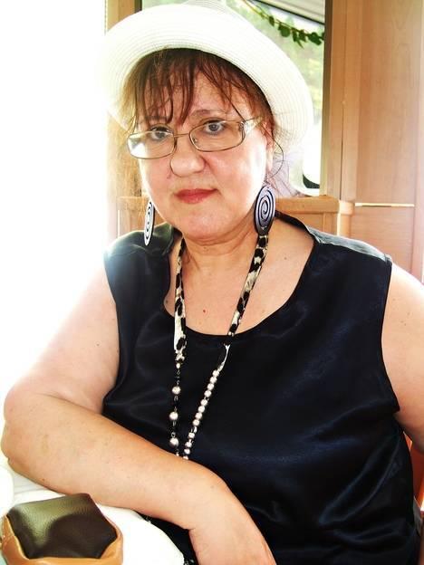 Pilar Quirosa presenta su 'Memorial Shadow' en el Castillo de Santa Ana