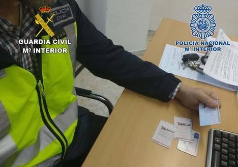 Desmantelada una trama dedicada a canjear de forma fraudulenta permisos de conducir extranjeros