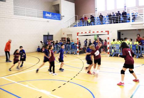 Diputación reúne a 145 deportistas en un Encuentro de Promoción del Balonmano celebrado en Las Norias