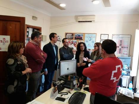 La Junta financia con más de 550.000 euros diferentes programas de acción social de Cruz Roja Almería