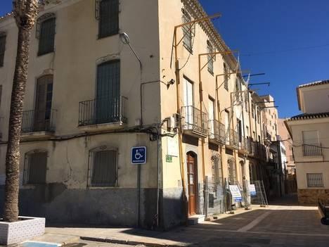 El alcalde de Albox y el obispo de Almería firman el convenio para rehabilitar el Convento