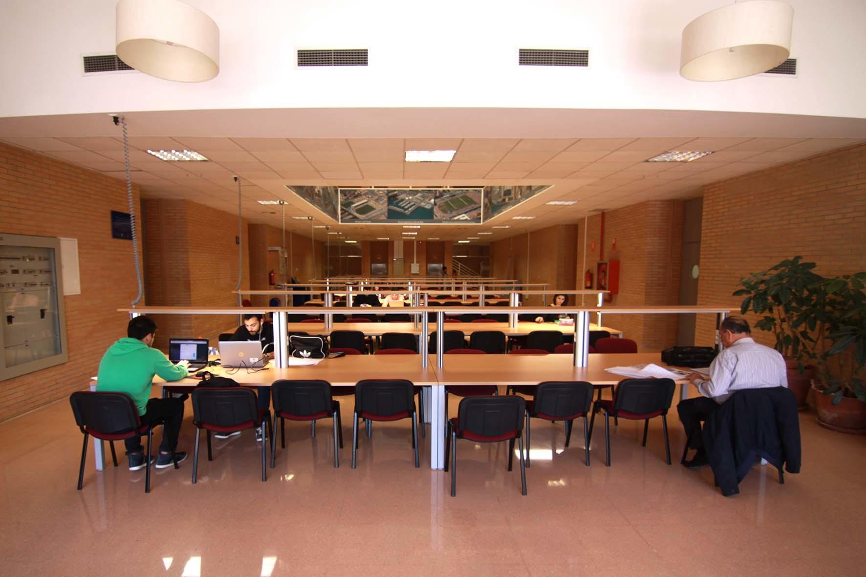 la ual ampl a la sala de estudio 24 horas de la biblioteca