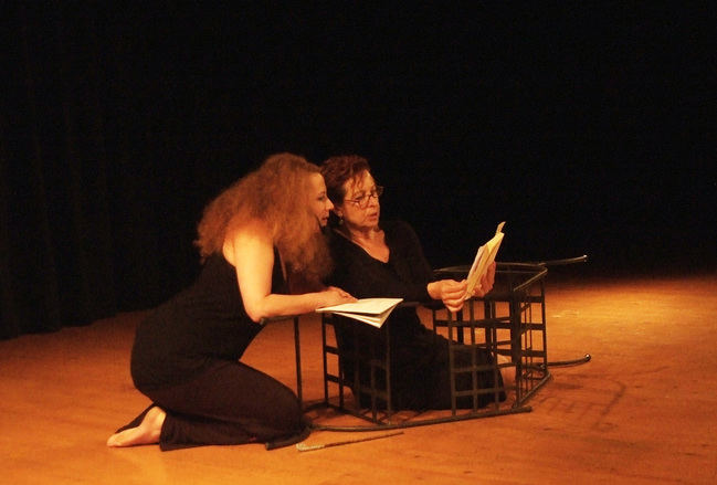 Ascensión Rodríguez y Eva López realizan una gran interpretación en la lectura dramatizada 'Variaciones sobre Rosa Parks'