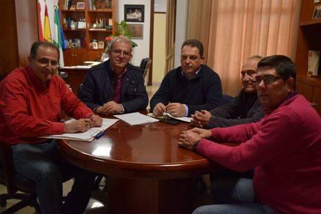 Coag Vícar presenta al alcalde su informe de rebaja fiscal y pide el apoyo del Ayuntamiento