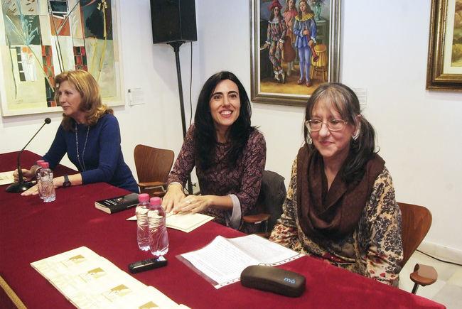 """Raquel Lanseros: """"Los dos grandes temas en la poesía son el amor y el paso del tiempo"""""""