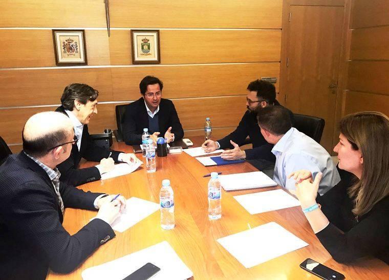 Reunión de trabajo entre Góngora y Hernando sobre temas pendientes con El Ejido