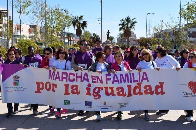 Marcha de cuatro kilómetros por la igualdad de género en Vícar