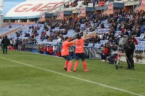 El equipo ejidense decide tres puntos de oro en Huelva con una falta magistral de Sergio Narváez