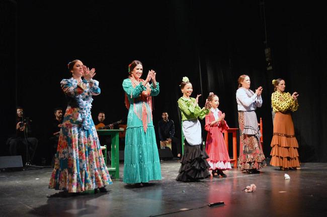 Ana Alonso deslumbra con su baile flamenco en el Teatro Apolo