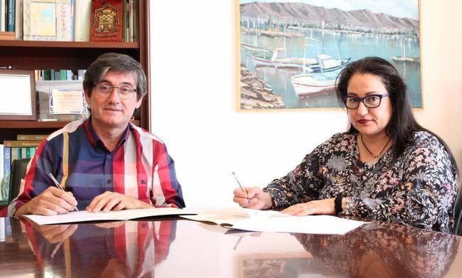 Ayuntamiento de Adra y comerciantes refuerzan su unión para potenciar el Centro Comercial Abierto