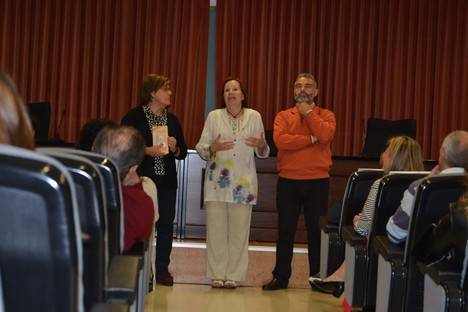 Estudiantes de Humanidades escenifican la presentación del libro 'Los mares de Caronte'