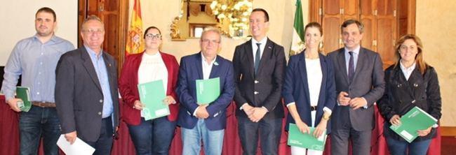 Diputación y seis municipios recibirán más de 1,1 millones de euros de la Junta para atender a 918 menores en riesgo
