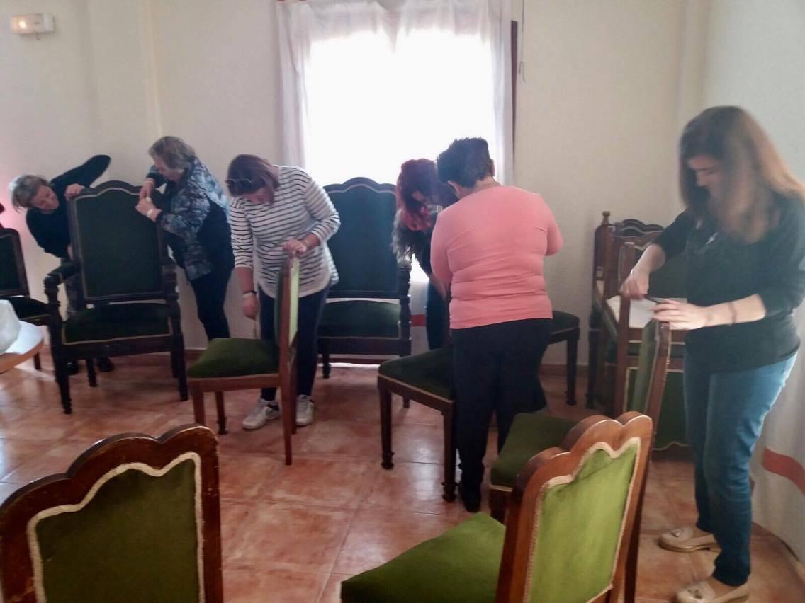 Muebles De Salon Almeria.Un Curso De Restauracion De Muebles Devolvera El Esplendor