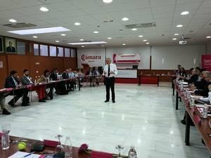 Treinta y cinco empresarios participan en Una Mañana con.. la experiencia Faeem para directivos que inaugura Martínez Cosentino