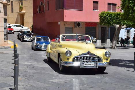 Gran concentración de vehículos clásicos en el Recinto Ferial de Gádor
