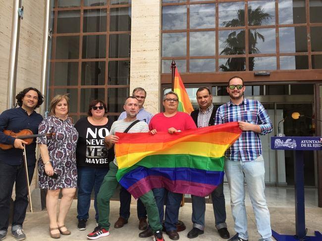 IU denuncia la nula implicación del equipo de Gobierno de El Ejido frente a la LGTBI fobia