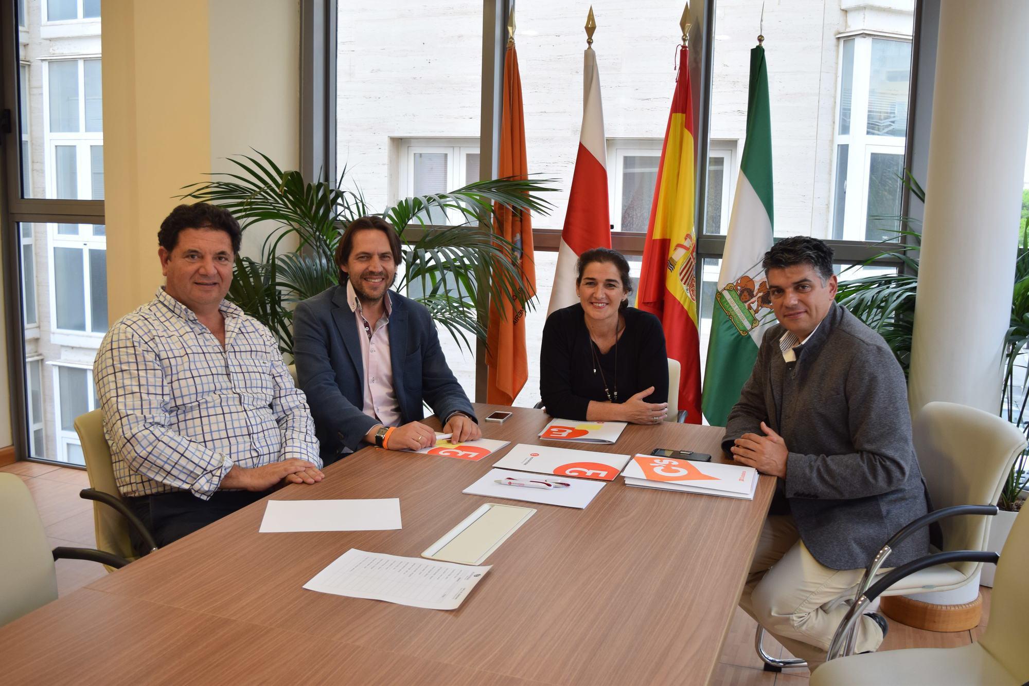 Ciudadanos explica a los economistas sus medidas para for Oficina empleo almeria
