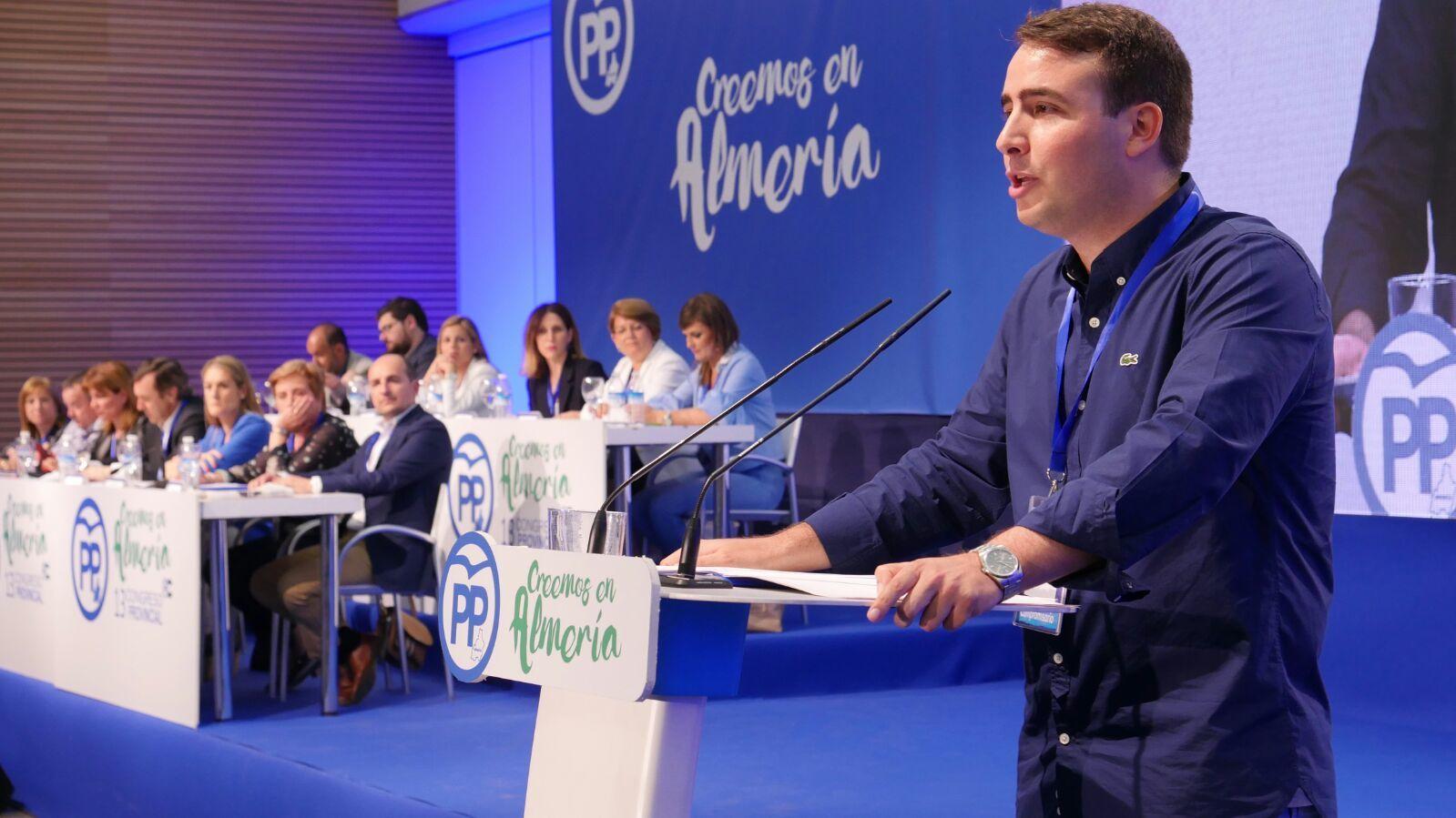 """El presidente de NNGG Almería define a Amat como """"sagaz y sobresaliente"""""""