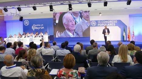 El presidente del PP Catalán rememora el origen almeriense de su padre y que conoció a Amat en el funeral de Manolo Escobar