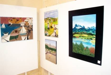 Exposición benéfica a favor de la Asociación de Esclerosis Múltiple de Almería en el Faro de Roquetas de Mar