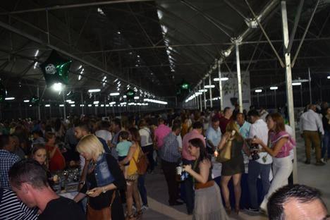 Más de dos mil personas participan en la jornada de puertas abiertas del Plantel
