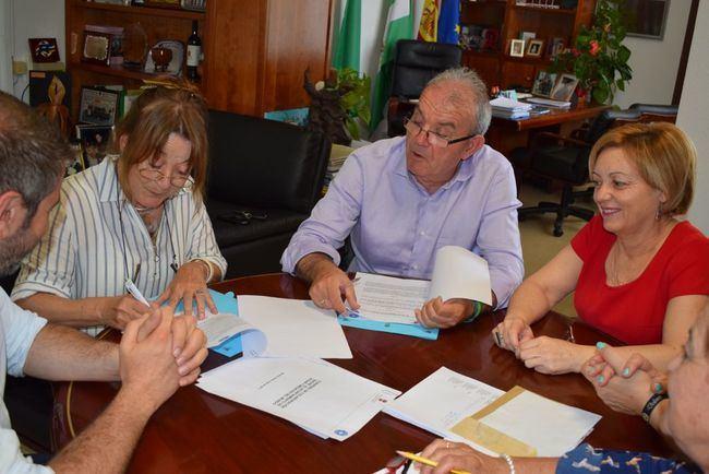 Ayuntamiento de Vícar y Médicos del Mundo trabajaran con población en riesgo de exclusión social