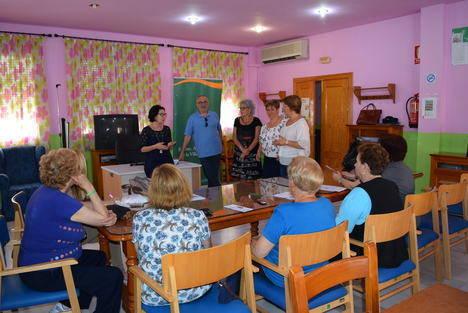Mayores de Gádor participan en los talleres sobre envejecimiento activo