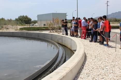 Alumnos de los institutos de Vera visitan la depuradora de Codeur