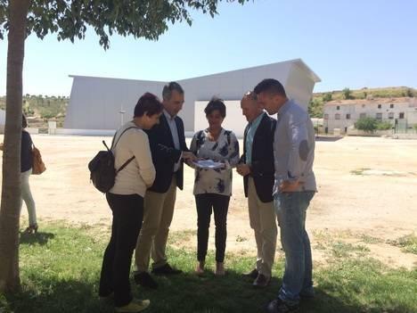 Junta y Ayuntamiento de Chirivel acuerdan impulsar el futuro parque previsto en la localidad
