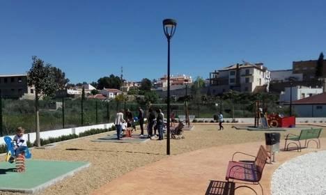 El PP de Albox exige al Ayuntamiento que habilite zonas de sombras en el parque infantil de Fofó