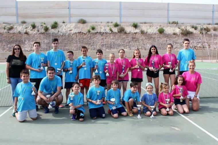 Clausura del curso en la Escuela Municipal de Tenis de Vícar