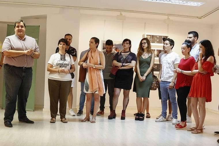 La Sala de Exposiciones del Instituto Andaluz de la Juventud acoge la muestra 'Fotografía y Ficción'
