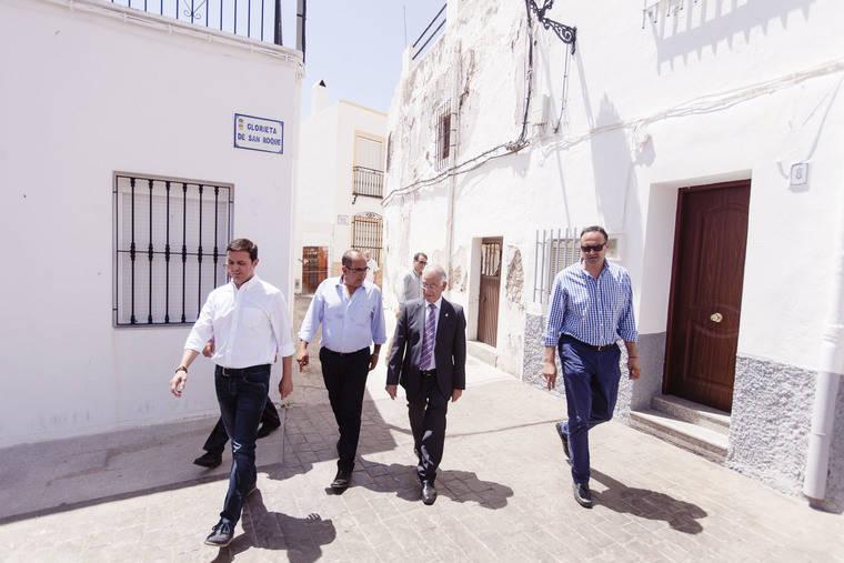 El Plan de Fomento de Empleo Agrario impulsa casi 700 jornales en Felix a través de sus dos proyectos