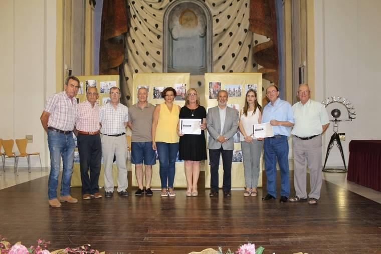 Vera premia a los ganadores de los concursos de las Fiestas Patronales