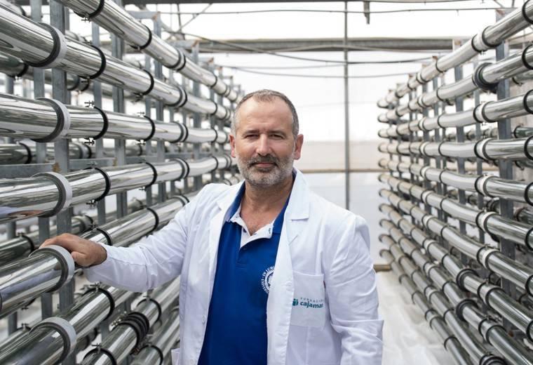 El profesor Gabriel Acién, nuevo director de la Cátedra Cajamar de Bioeconomía en la Universidad de Almería