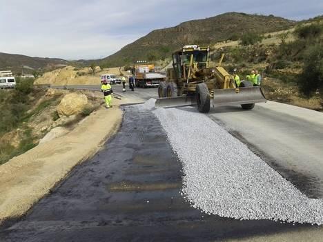 Diputación invierte 180.000 euros en la 'puesta a punto' de la AL-6107 entre Rambla Aljibe y Albanchez