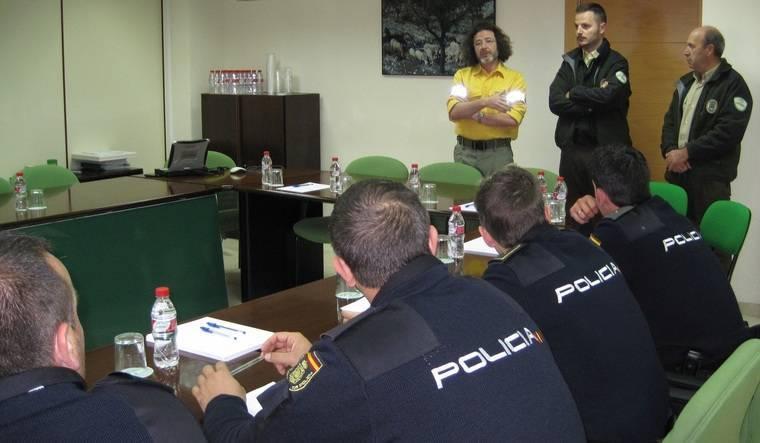 Coordinación de Medio Ambiente y la Policía de la Junta para la lucha contra incendios