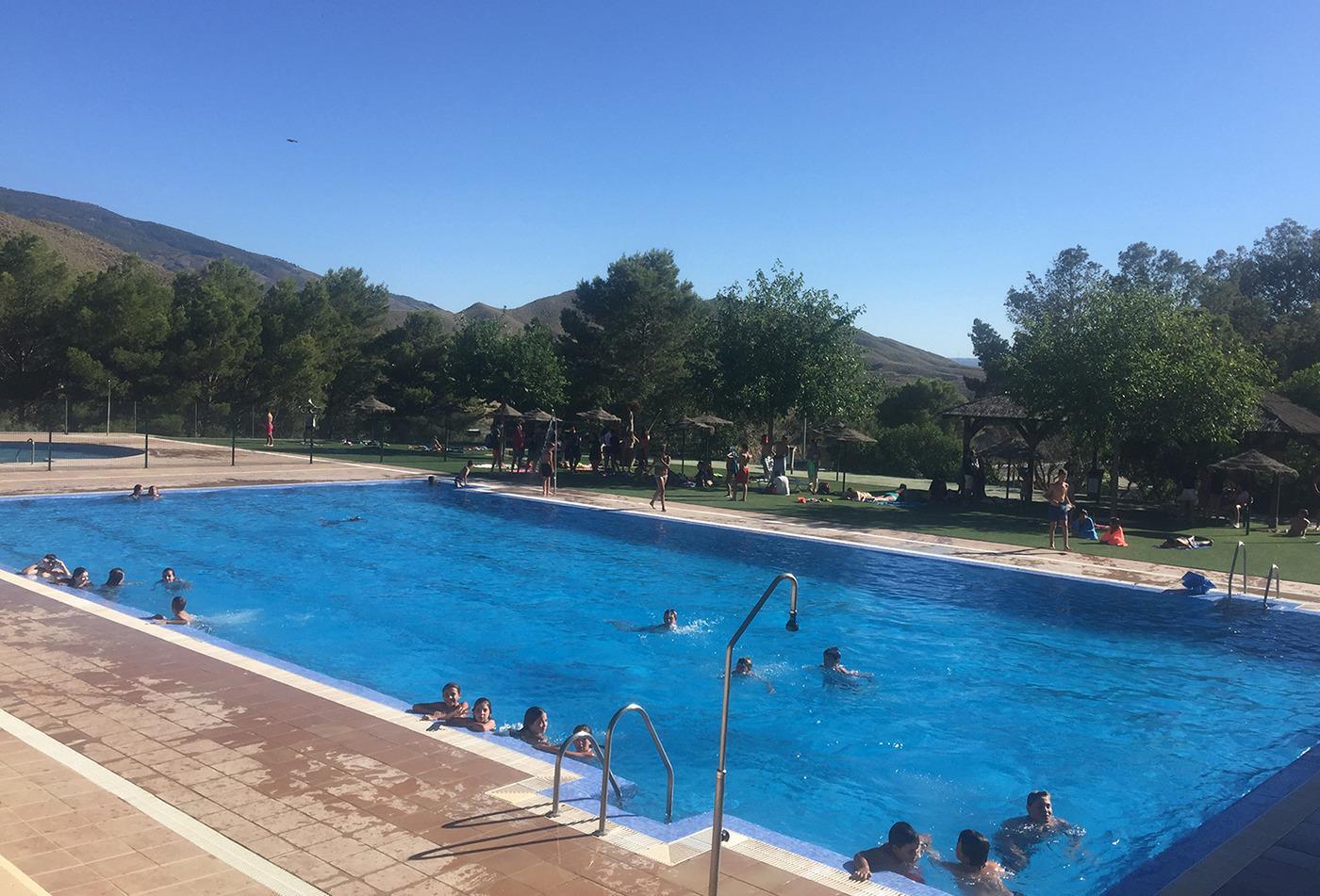 Tabernas abre su piscina y comienza la temporada de for Piscina municipal almeria