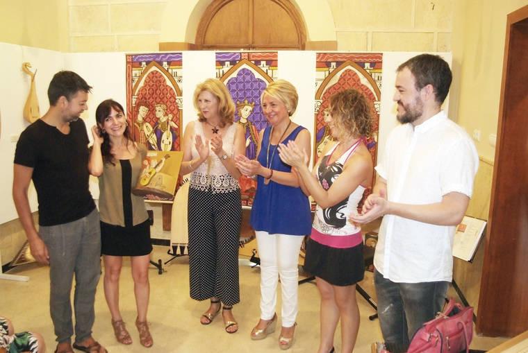 Gran éxito de la exposición 'Instrumentos musicales con historia' en el Faro de Roquetas de Mar