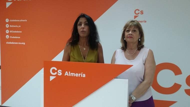 Regresa a Ciudadanos la concejal que dejó el grupo municipal en Almería por no entenderse con el portavoz
