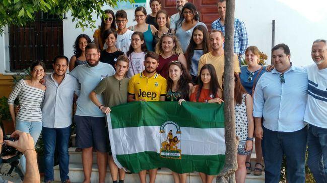 Jóvenes voluntarios impulsan en Purchena la primera Biblioteca Humana Intercultural de Andalucía